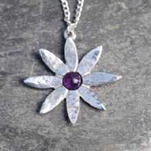 Lily flower pendant with amethyst P32
